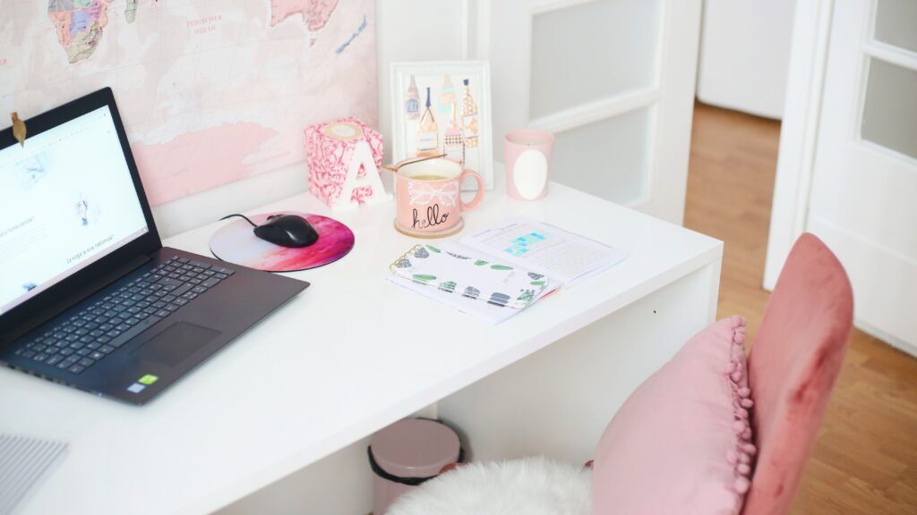 Productive Things To Do At Home When Bored - Declutter Your Digital Life - Karen Roldan